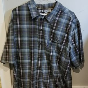 Columbia Shirt Sleeve Button Up Casual Shirt